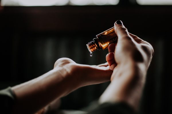 huiles essentiels blooom, trousse de toilette de voyage